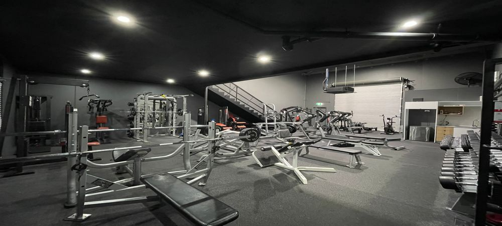 STRENGTH TRAINING - BUILD A STRONG BASE, BECOME FUNCTIONALLY STRONGER & LEAN
